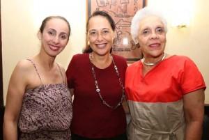 La ministre Tea Frogier en compagnie de Fouzia Kechkech et Gisèle Bourquin.